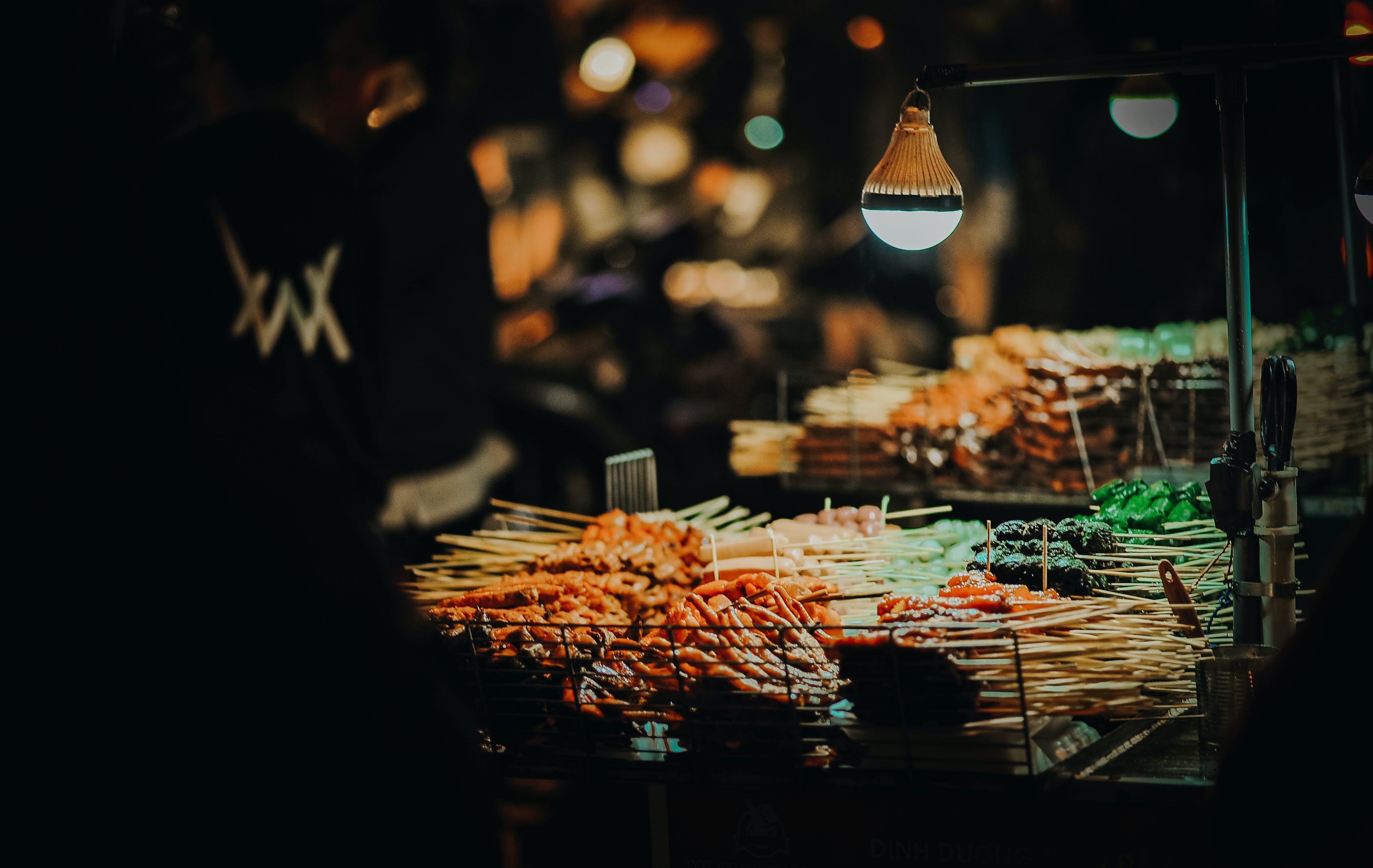 Kostenloses Stock Foto zu business, draußen, dunkel, essen