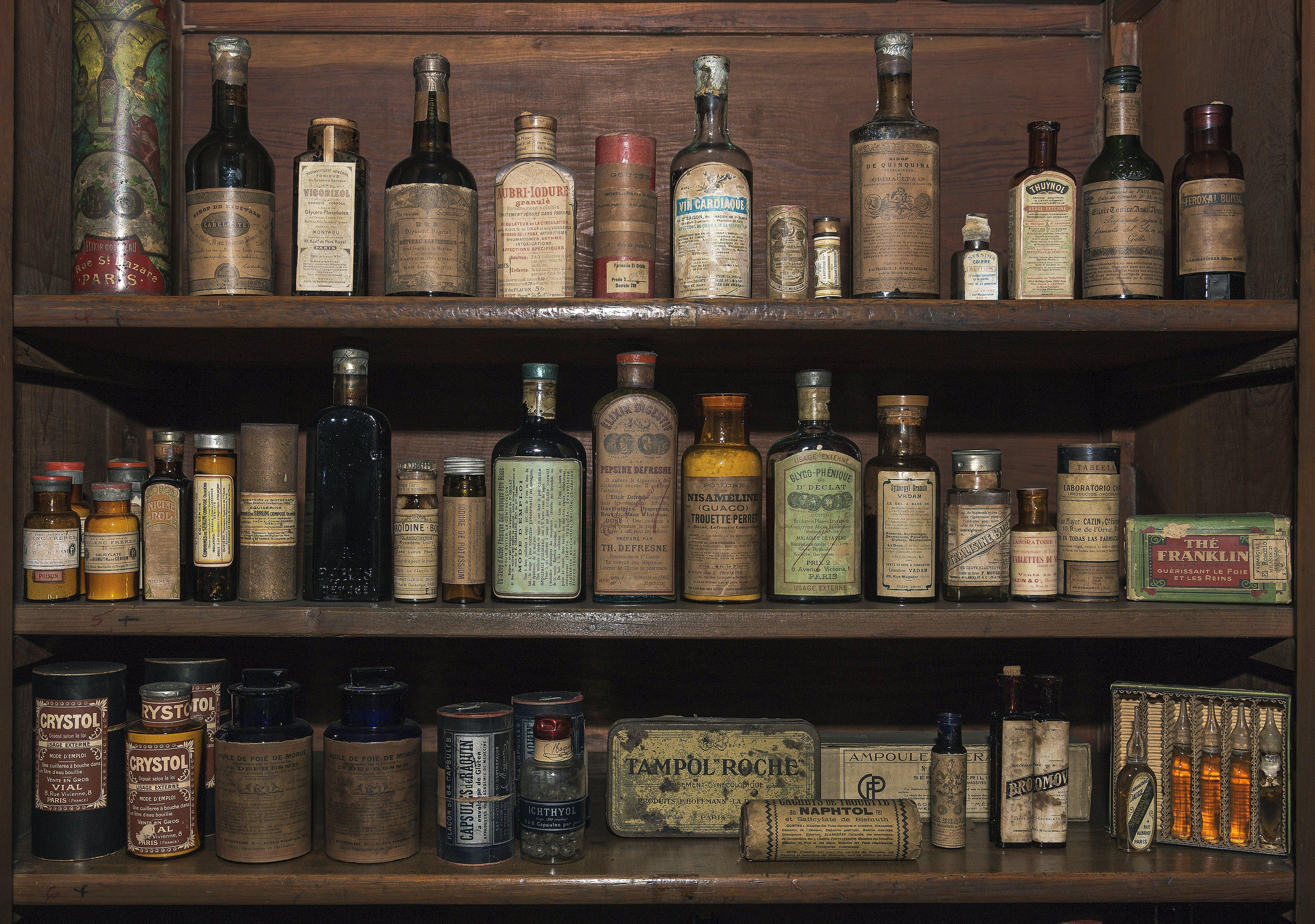 Free stock photo of cuba, drugstore, flask, matanzas