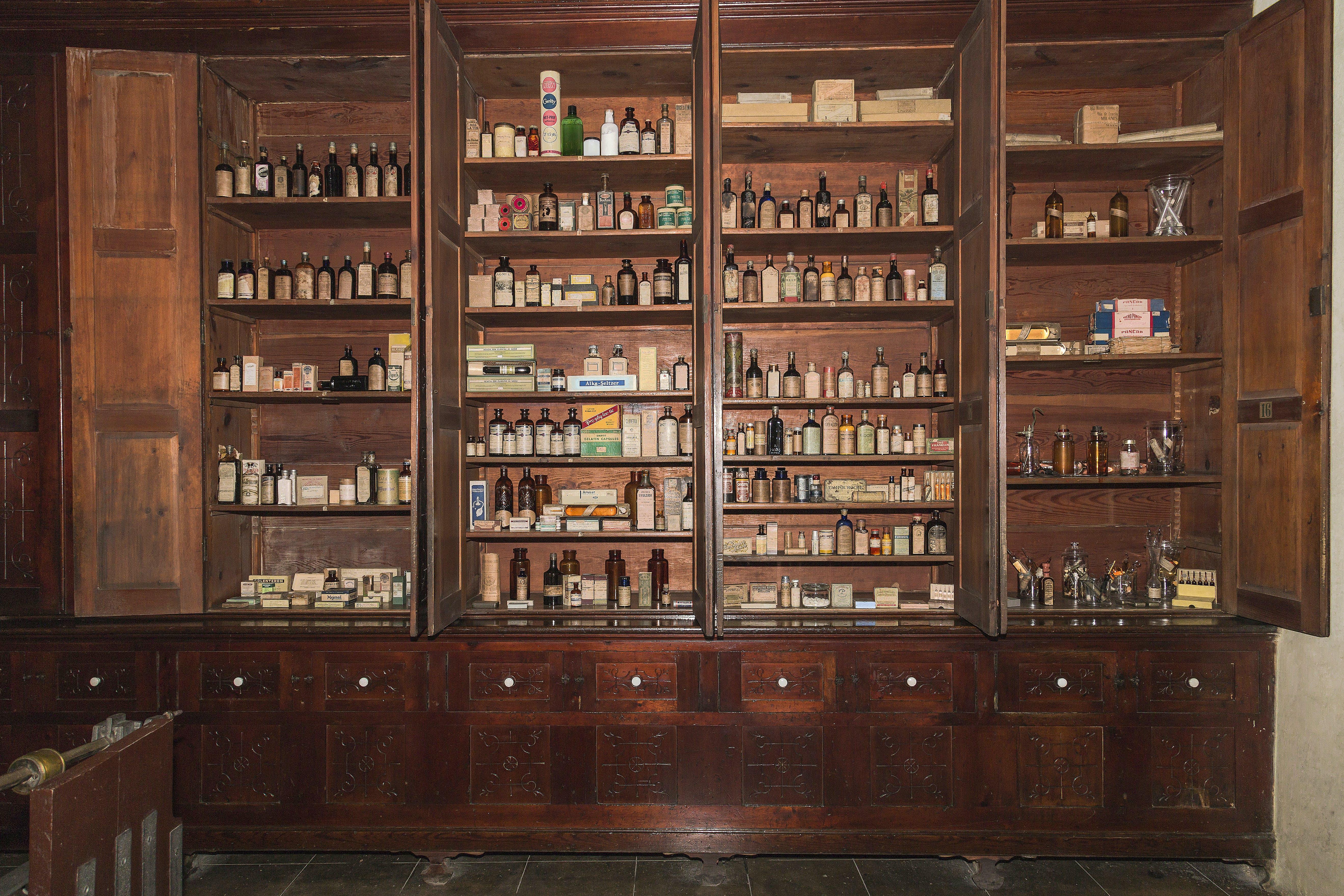 Free stock photo of cabinet, cuba, matanzas, pharmacy