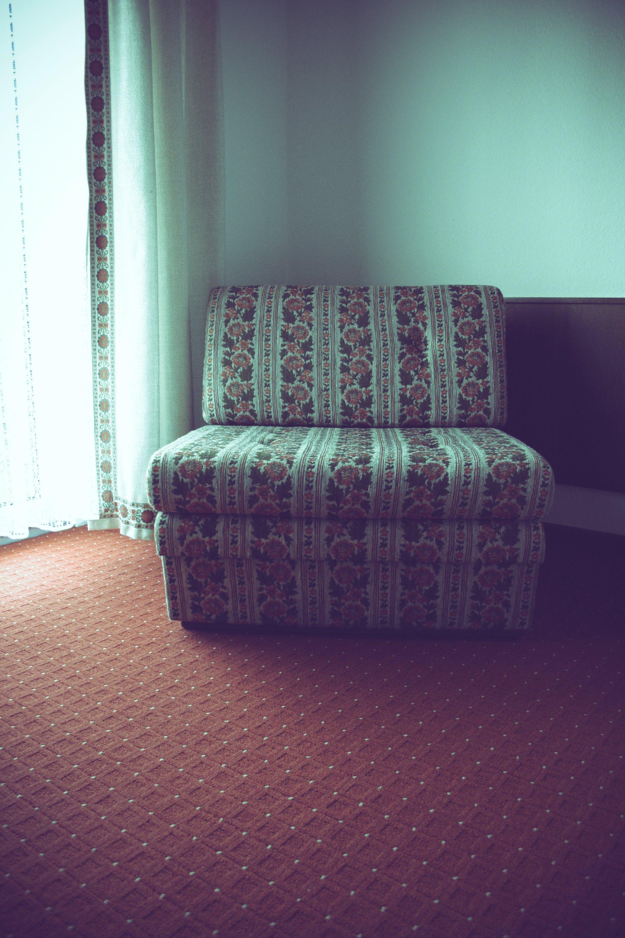 Photos gratuites de canapé, décoration d'intérieur, floral, motifs