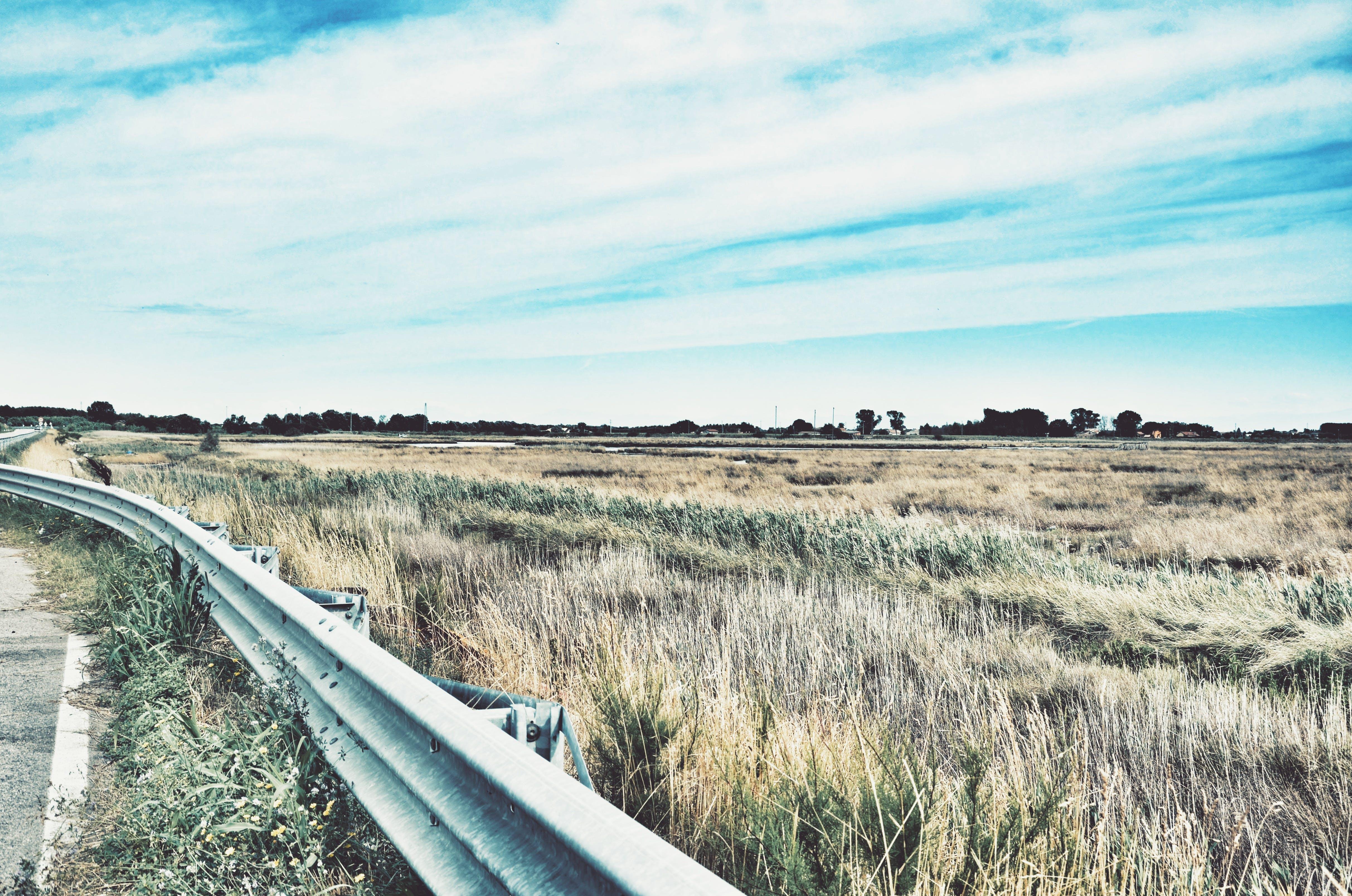 Darmowe zdjęcie z galerii z autostrada, balustrada, barierka, bruk