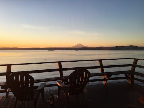 Gratis lagerfoto af baggrund, balkon, bjerg, hav