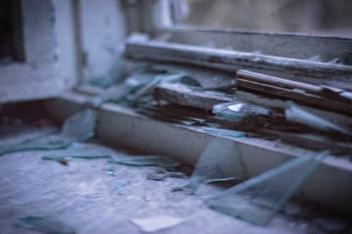 Photos gratuites de abandonné, bâtiment abandonné, Maison de campagne, verre brisé