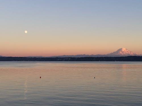 Gratis lagerfoto af bjerg, hav, måne, mount rainer