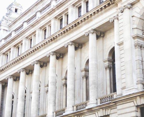 Immagine gratuita di architettura, bianco, colonne, edificio