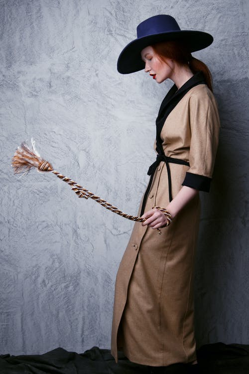 Foto stok gratis gaun coklat, gaya, kaum wanita