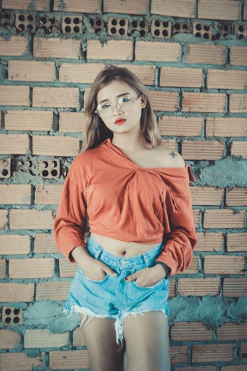 Бесплатное стоковое фото с азиатка, Азиатская девушка, Взрослый, городской
