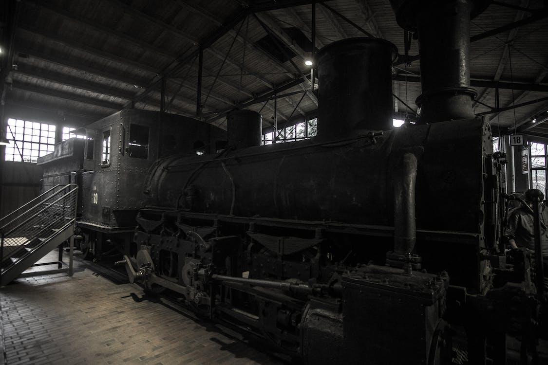 desaturat, fosc, locomotora de vapor