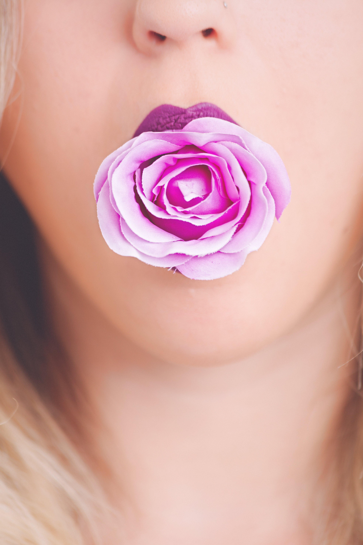 人, 人造花, 光鮮亮麗, 化妝 的 免费素材照片