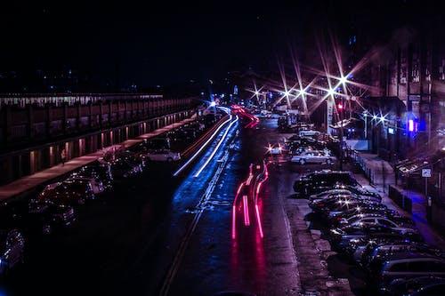 Darmowe zdjęcie z galerii z ciemny, droga, miasto, mokry