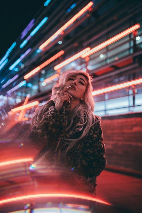 Gratis stockfoto met avond, belicht, blondine
