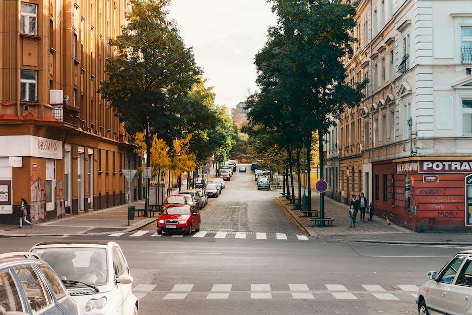 Photo of roadway cross between buildings