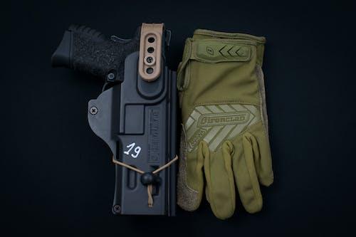 Gratis lagerfoto af handske, lukke op, Pistol