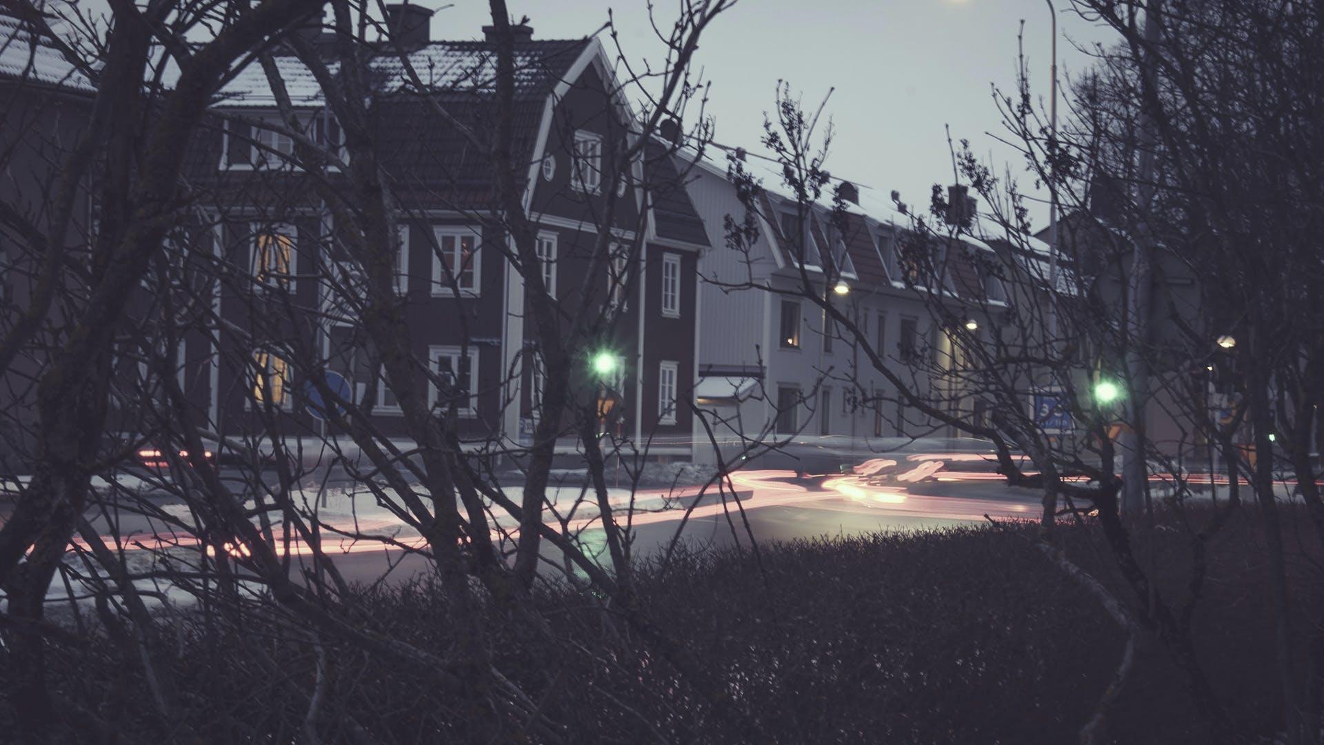 açık, ağaçlar, akşam, bina içeren Ücretsiz stok fotoğraf