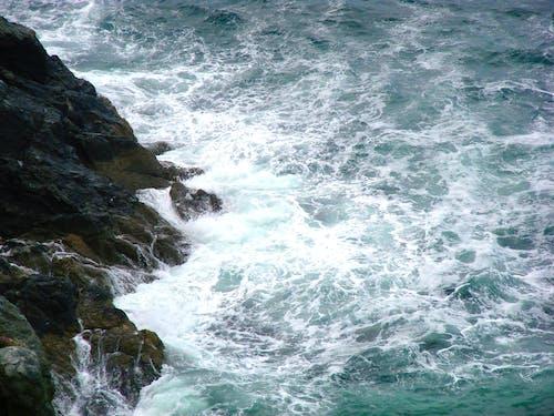 Ingyenes stockfotó hullám, szappanos víz, szikla, tenger témában
