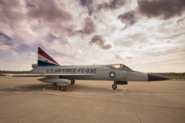 Gray U.s. Air Force Fc-032 Under Gray Sky
