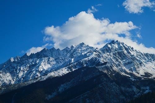 Základová fotografie zdarma na téma denní světlo, horské vrcholy, hory, krajina