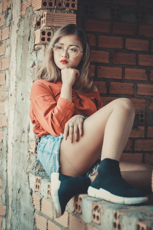 Бесплатное стоковое фото с азиатка, Азиатская девушка, в помещении, волос