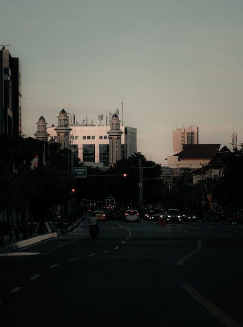 Photos gratuites de autoroute, centre-ville, chaussée