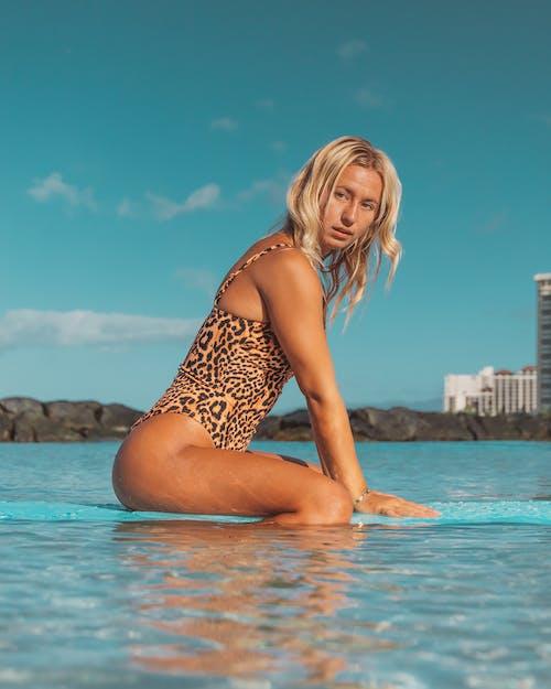 Photos gratuites de beau, bikini, bronzage