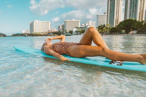 Photos gratuites de bikini, bronzer, complexe