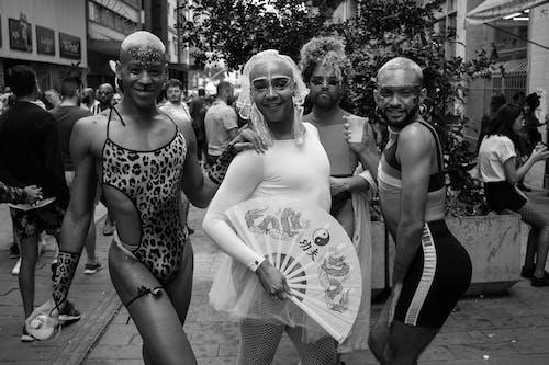 Foto d'estoc gratuïta de adult, agrupar, ballant