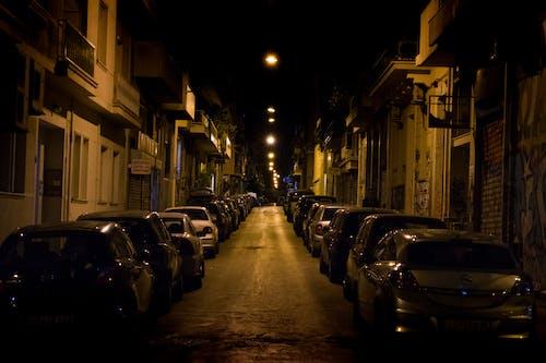 Ảnh lưu trữ miễn phí về đèn vàng, đường đô thị, đường phố tối, thành thị