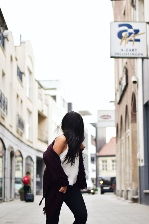 Fotos de stock gratuitas de arquitectura, calle, caminando, carretera