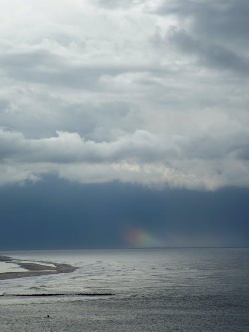 Безкоштовне стокове фото на тему «берег моря, Буря, вода»