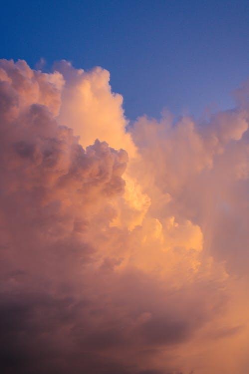 Безкоштовне стокове фото на тему «атмосфера, високий, драматичний»
