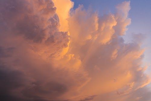 Безкоштовне стокове фото на тему «вечір, високий, дощ»