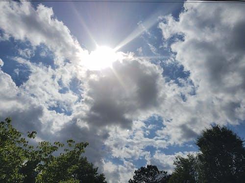 晴天, 曇り空, 雲, 雲の中の太陽の無料の写真素材