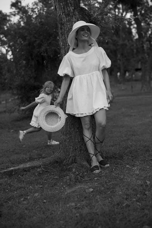 Imagine de stoc gratuită din alb-negru, caucaziană, copil
