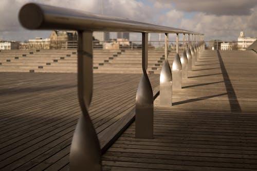 Základová fotografie zdarma na téma dřevěná deska, jízda na skateboardu, koleje, město