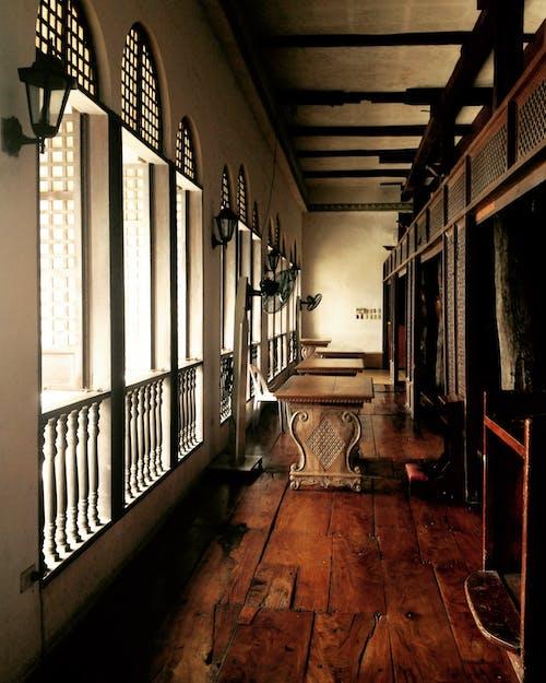 Ingyenes stockfotó ablak, bejárat, belsőépítészet, beltéri témában