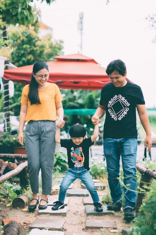 一起, 亞洲人, 休閒服裝 的 免費圖庫相片