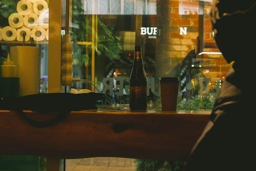 Foto profissional grátis de álcool, balcão de comida, bar, bebida