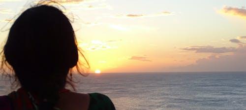 日出, 母親, 海洋, 禱告 的 免费素材照片