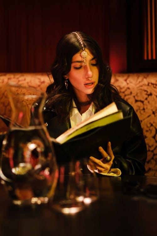 Δωρεάν στοκ φωτογραφιών με maang tikka, βλέπω, εστιατόριο