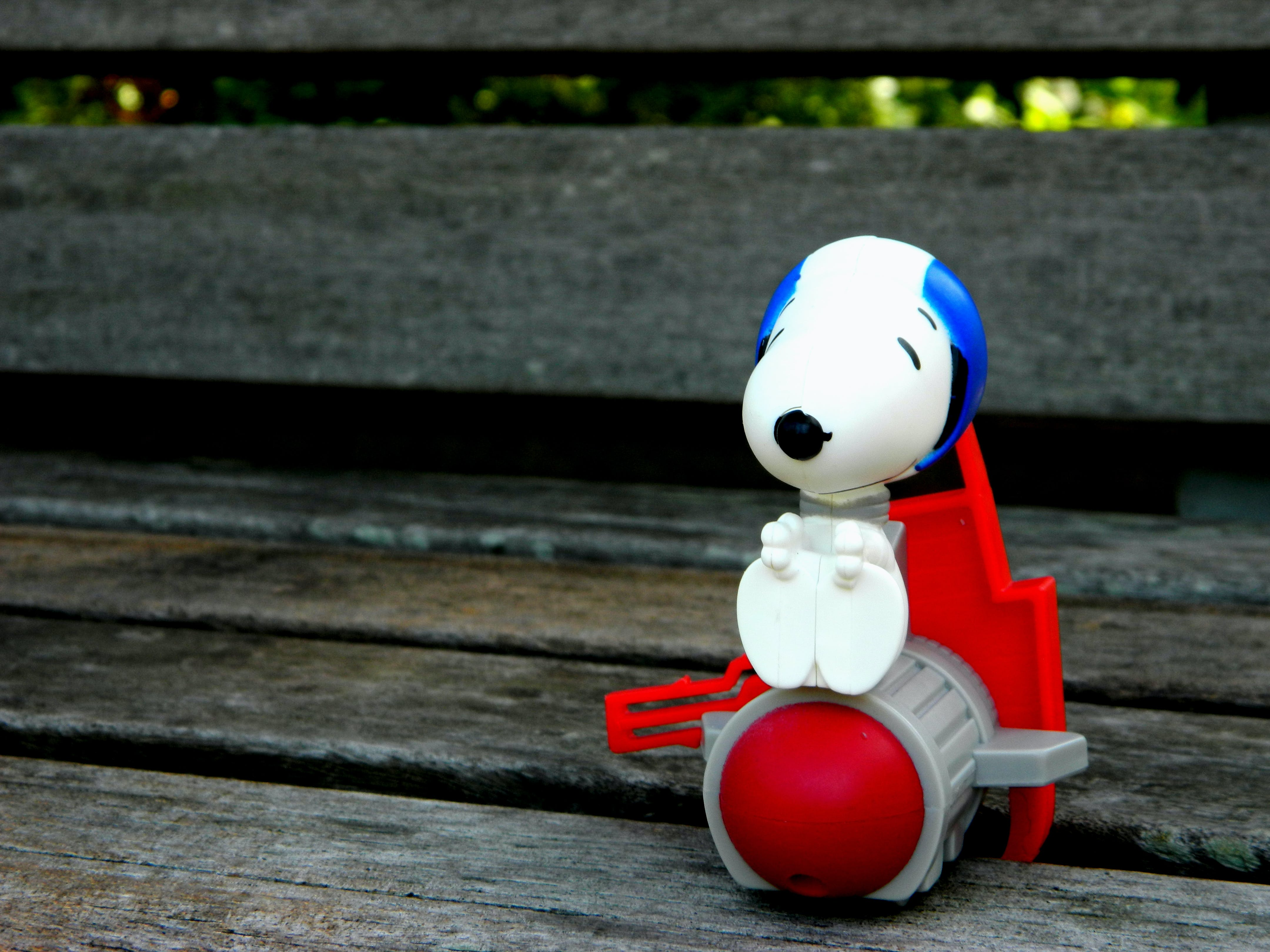 White Snoopy Plastic Figure