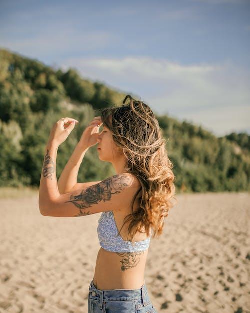 Foto stok gratis angin, bikini, cewek