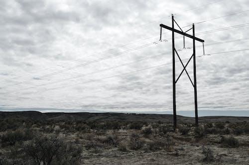 Fotografía Del Poste Eléctrico En Un Día Nublado