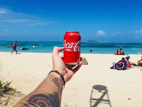 boş zaman, Coca Cola, damak tadı, deniz içeren Ücretsiz stok fotoğraf