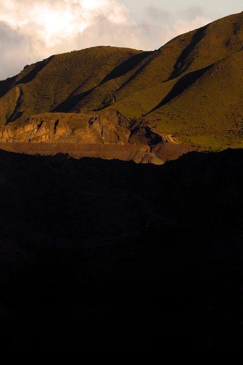 Foto stok gratis batu, bayangan, bukit
