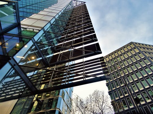 Ingyenes stockfotó acél, alacsony szögű felvétel, belváros, ég témában