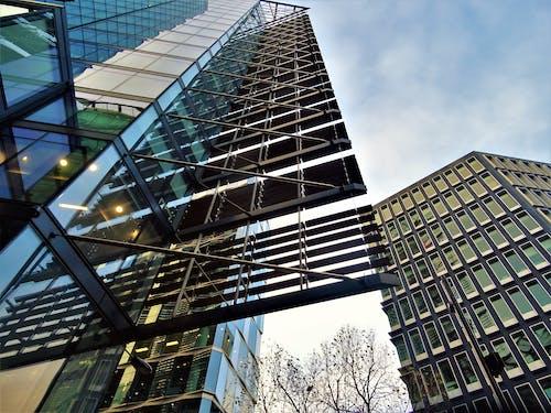 Gratis arkivbilde med arkitektonisk design, arkitektur, bygninger, fasade
