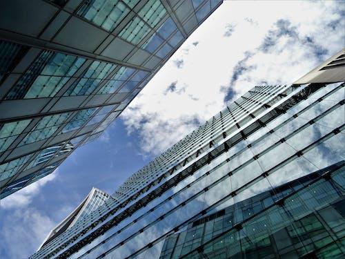 低角度攝影, 反射, 天空, 建築 的 免费素材照片