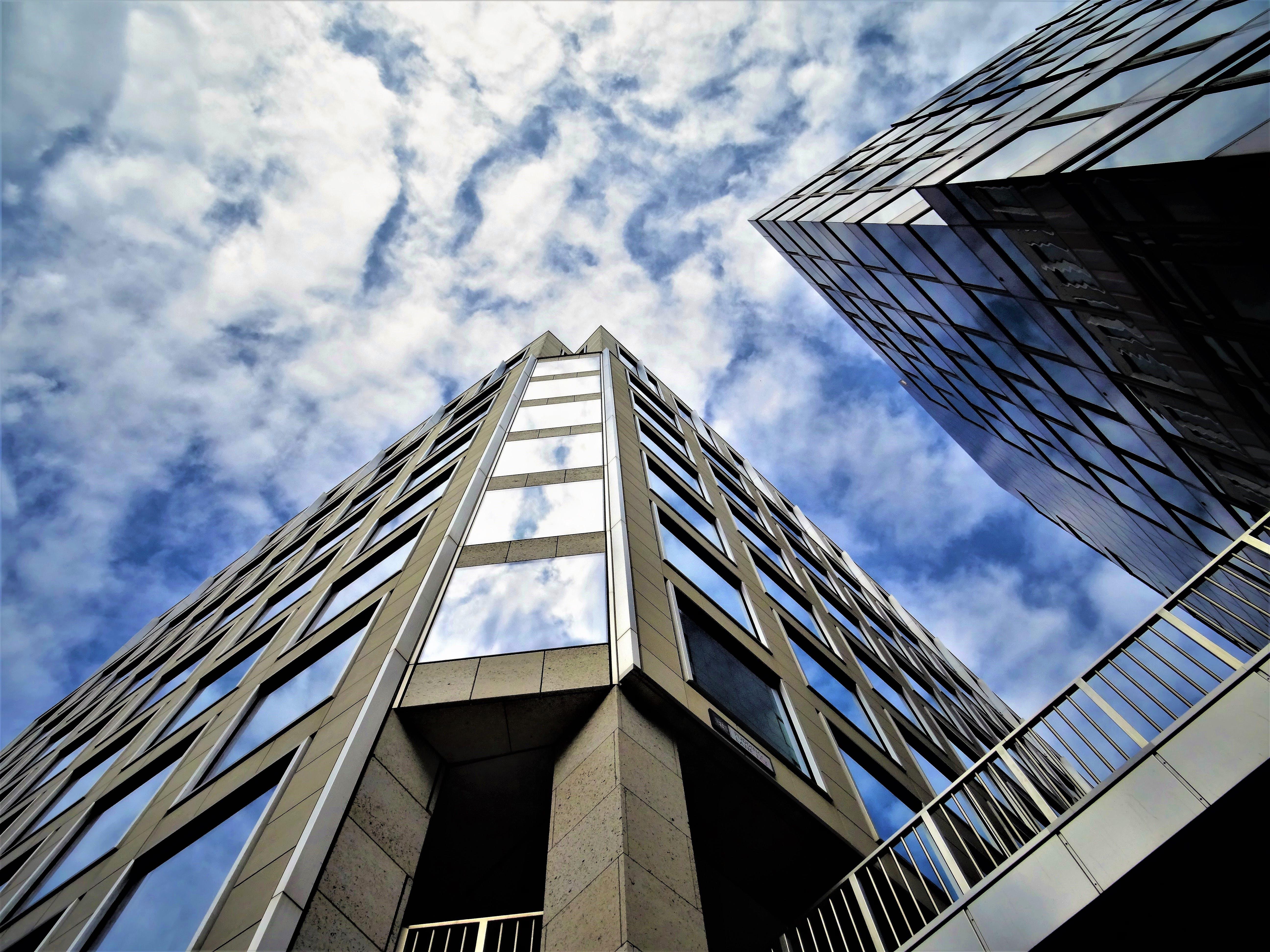 Бесплатное стоковое фото с архитектура, Архитектурное проектирование, горизонт, здания