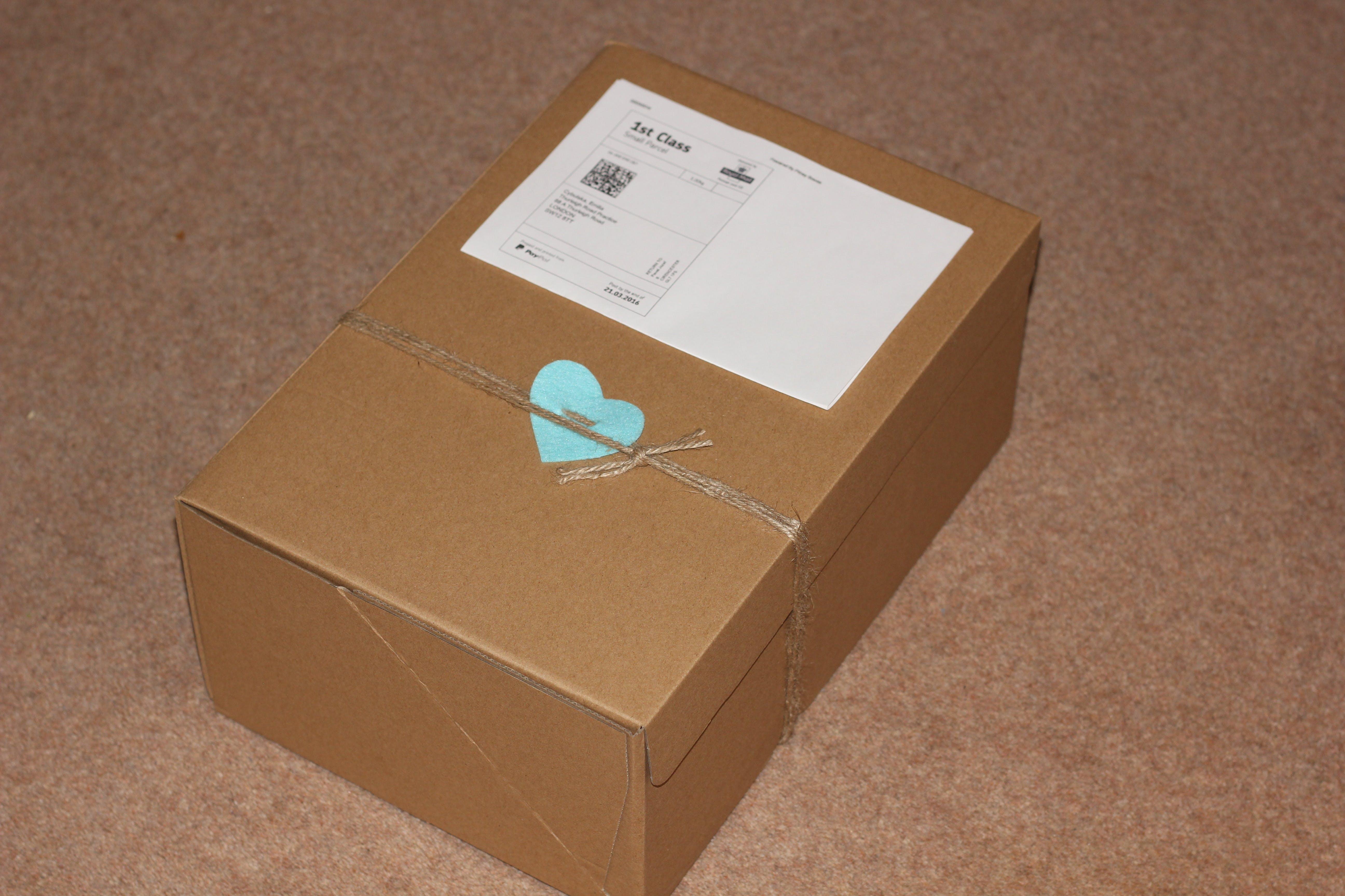 Kostenloses Stock Foto zu box, pack, überraschung, adresse