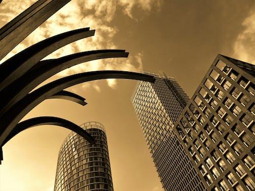 bardak, binalar, bulutlar, bürolar içeren Ücretsiz stok fotoğraf